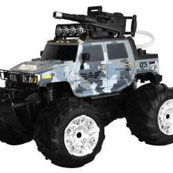 Radiovadāma mašīna ar ūdens pistoli